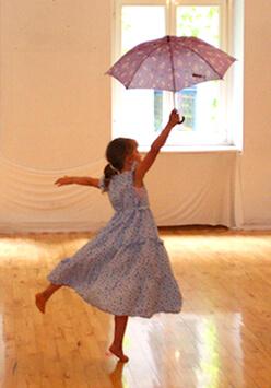 Tänzerin mit Schirm